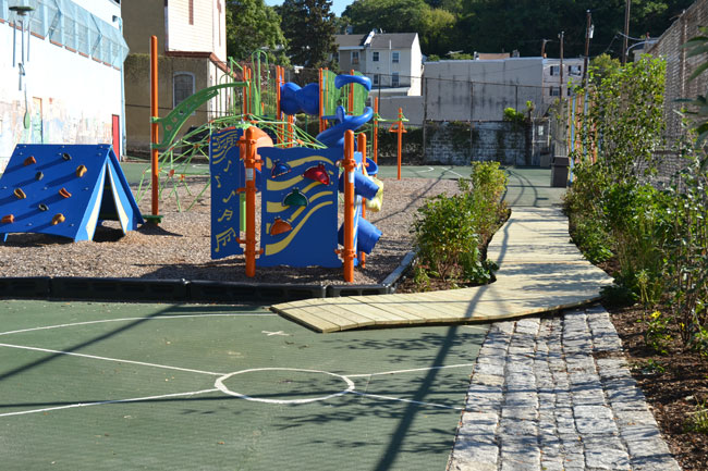 playground-equipment-rain-garden